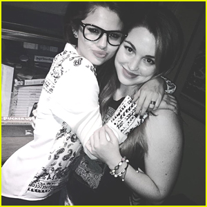 Selena Gomez & Jennifer Stone Are Still Great Friends
