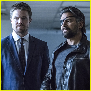 Deathstroke Returns & Enlists Oliver's Help To Find His Son on 'Arrow' Tonight
