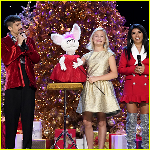 Darci Lynne Farmer & Petunia Sing 'O Easter Egg' Instead of 'O Christmas Tree' With Pentatonix