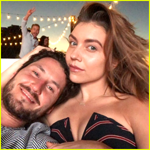 Derek Hough Hilariously Photo Bombs Jenna Johnson & Val Chmerkovskiy's Pic During Cabo Couples Trip