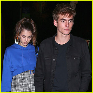 Kaia & Presley Gerber Have The 'Best Mama'