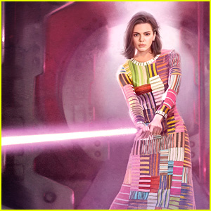 Kendall Jenner Uses a Lightsaber in 'Star Wars'-Themed Photos!