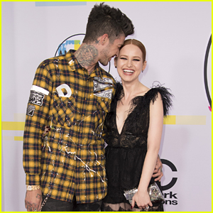 Madelaine Petsch Gets Super Cute With Boyfriend Travis Mills at AMAs 2017