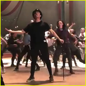 Zac Efron Sings & Dances in 'Greatest Showman' Rehearsal Video - Watch Now!