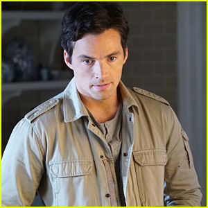 PLL's Ian Harding Says Nothing Would've Kept Him in Rosewood, Not Even Aria