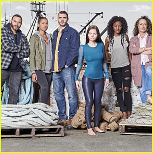 Alex Roe Opens Up About New Show 'Siren' & Jumping Into Frigid Water For Filming