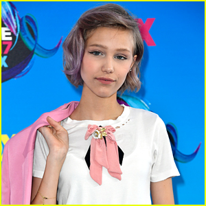 Grace VanderWaal Talks Balancing School, Friends & Music All At Once in New Documentary