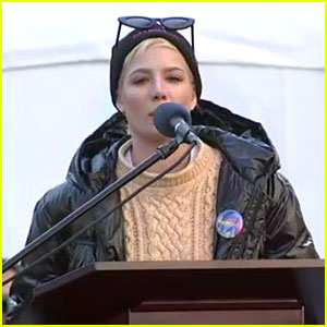Halsey Shares Powerful Poem at Women's March 2018 in NYC - Watch Now!