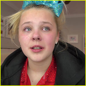 1f1ea3e65 JoJo Siwa Gets Emotional Talking About Family In New Video