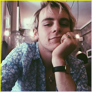 Ross Lynch Is The Most Spontaneous Romantic You'll Ever Meet