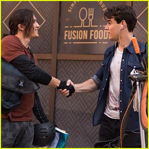 Simon Meets Future Roommate Jordan Kyle in 'Shadowhunters' Season 3 First Look!