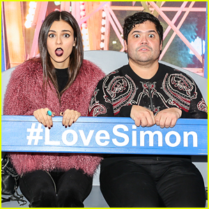 Victoria Justice & Harvey Guillen Ride the 'Love, Simon' Ferris Wheel at Just Jared's Screening!