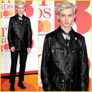 Troye Sivan Looks So Chic at Brit Awards 2018!