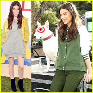Pitch Perfect 3's Hailee Steinfeld & Anna Kendrick Attend Hunter for Target Ultimate Family Festival