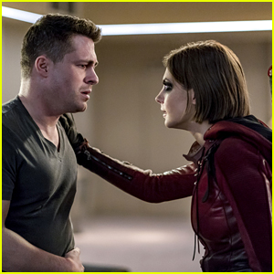 Thea Kisses Roy As Colton Haynes Returns To 'Arrow' Tonight - Watch The Clip!