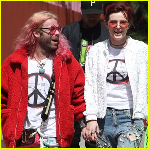 Bella Thorne & Mod Sun Couple Up at March For Our Lives