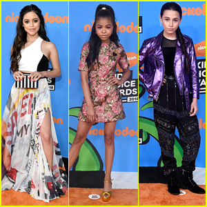 Jenna Ortega Meets Up With 'Raven's Home' Stars at Kids' Choice Awards 2018