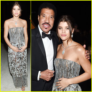 Sofia Richie Dazzles at Oscars 2018 After-Party With Dad Lionel