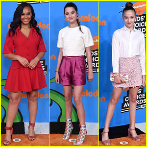 Nia Sioux Rocks a Red-Hot Look at Kids' Choice Awards 2018!