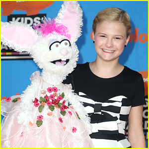 Darci Lynne Farmer Opens Up About Balancing Tour & School At the Same Time (Exclusive)