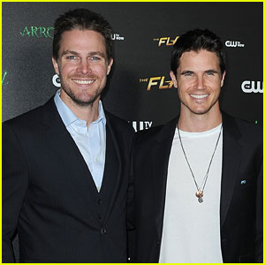 Robbie Amell Shares Easter Throwback Photo With Cousin Stephen Amell