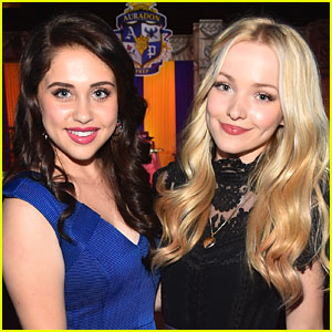 Brenna D'Amico Snaps Cute Selfie With Dove Cameron on 'Descendants 3' Set
