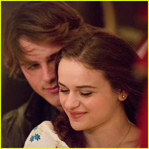 Joey King & Jacob Elordi Cozy Up In Exclusive New Stills From 'The Kissing Booth'