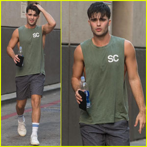 Spencer Boldman Shows Off His Muscles While Hitting the Gym!