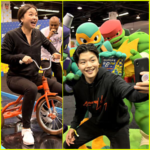 Alex & Maia Shibutani Have Too Much Fun at Nickelodeon's VidCon 2018 Booth!