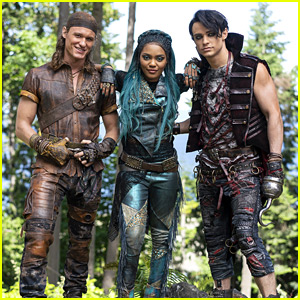 Uma, Harry & Gil Have Completely Different Looks For 'Descendants 3' - See The Pic!