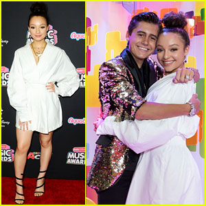 Stuck in the Middle's Kayla Maisonet & Isaak Presley Team Up for Radio Disney Music Awards 2018!