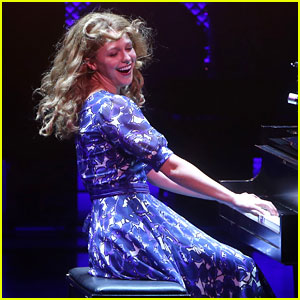 Melissa Benoist Slays on Stage During Her Opening Night in Broadway's 'Beautiful!'