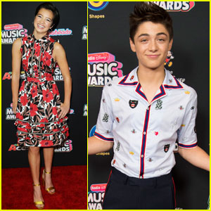 Peyton Elizabeth Lee & Asher Angel Join 'Andi Mack' Cast at Radio Disney Music Awards 2018