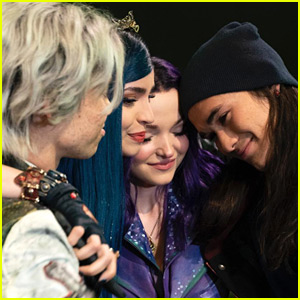 Kenny Ortega Sends Love To Cast & Fans After 'Descendants 3' Officially Wraps