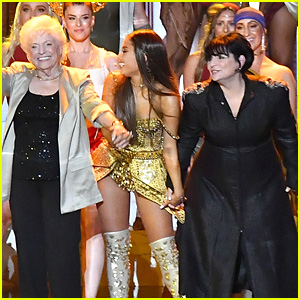 Ariana Grande's Mom & Grandma Join Her for 'God is a Woman' Performance at VMAs 2018 (Video)