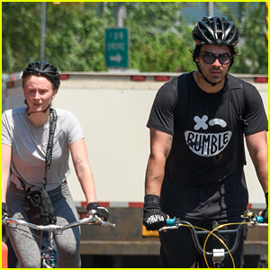 Joe Jonas & Sophie Turner Hit the NYC Streets for Their Bike Ride!
