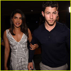 Nick Jonas & Priyanka Chopra Introduce Their Parents in India!