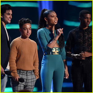 'On My Block' Wins Breakout Show at Teen Choice Awards 2018