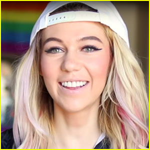 Jessie Paege Comes Out as Bisexual to Her Mom (Video)