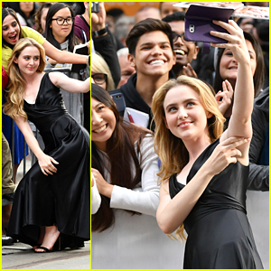 Kathryn Newton Takes The Best Pics with Fans at TIFF!