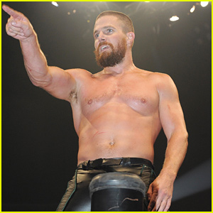 Arrow's Stephen Amell Looks Like a Real-Life Superhero in the Wrestling Ring!
