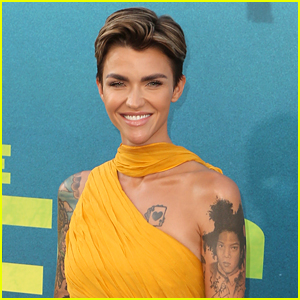 The CW Unveils First Look at Ruby Rose as Batwoman for Arrowverse 'Elseworlds' Crossover!