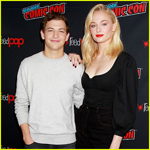 Sophie Turner & Tye Sheridan Bring 'Dark Phoenix' to New York Comic Con