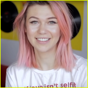 Jessie Paege Shares Her Hilarious Tinder Messages!