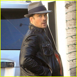 Ian Somerhalder Steps Out For Lunch in Beverly Hills!