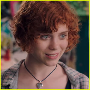 Sophia Lillis Takes Her New Friends To The Gym in New 'Nancy Drew' Clip