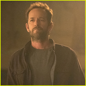 'Riverdale' Showrunner Reveals How The Show Will Address Luke Perry's Death