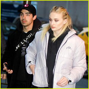 Sophie Turner & Joe Jonas Enjoy Date Night at Rangers Game!