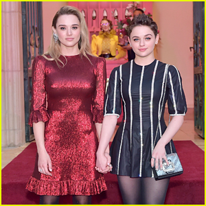 Joey King & Sister Hunter Are Picture Perfect at Hotel Vivier Event!