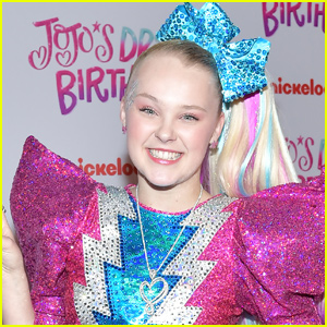 JoJo Siwa Celebrates First Night of D.R.E.A.M. The Tour!